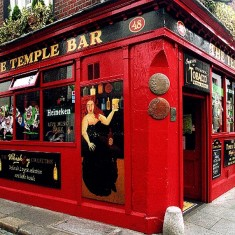 Temple_Bar,_Dublin.