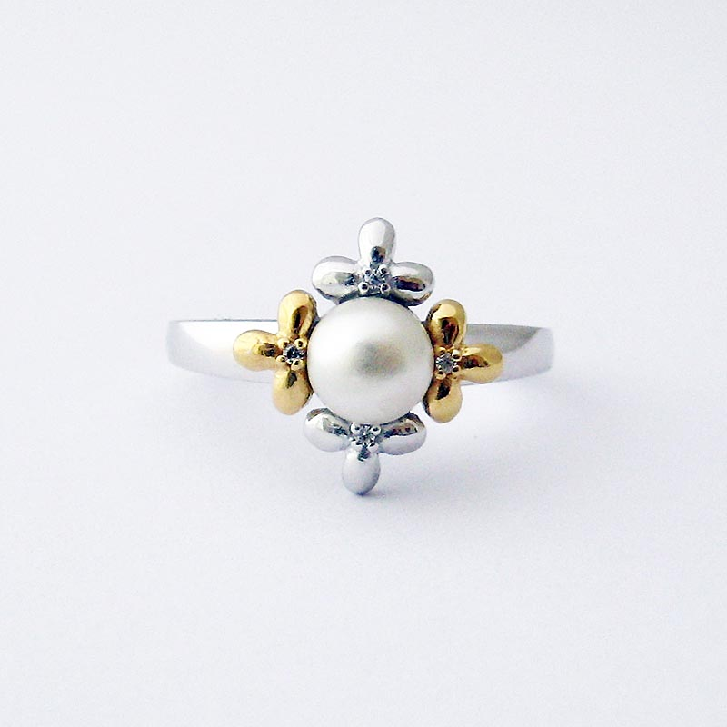 Jean Butler Jewelry Irish Ring - Sterling Silver Pearl Center Crystal Set Flower Buds Irish Ring