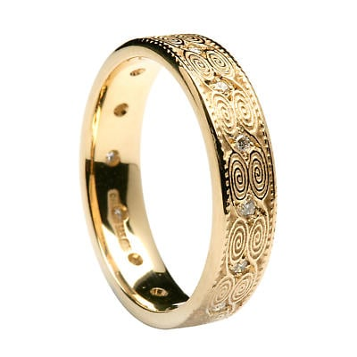 Irish Ring - Ladies Gold Newgrange Diamond Irish Wedding Band