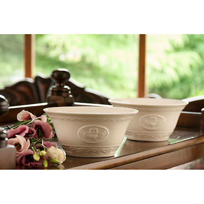 Belleek Claddagh Bowls - Set of 2