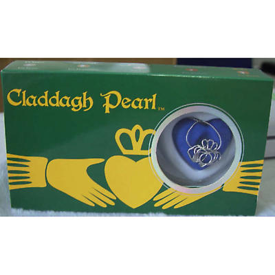 Irish Necklace - Claddagh Pearl Necklace