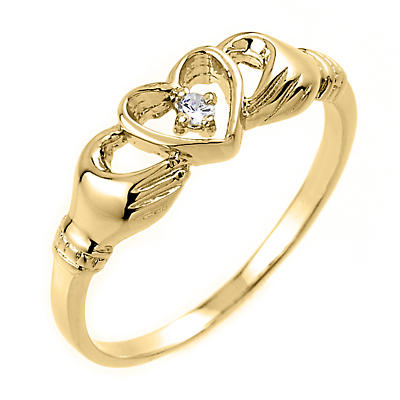 Claddagh Ring - Yellow Gold Claddagh Ring with Diamond