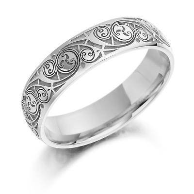 Celtic Wedding Ring - Ladies Gold Celtic Spiral Triskel Irish Wedding Band