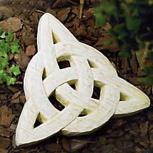 Trinity Knot Garden Stone