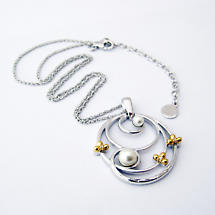 Jean Butler Jewelry Irish Necklace - Sterling Silver Double Pearl Center Shamrocks Irish Pendant with Chain